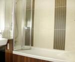 Volente folding bath screen